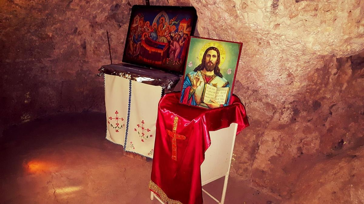 Τρίκαλα: Το σπήλαιο όπου βρέθηκε η εικόνα της Παναγίας Βυτουμά..EIKONEΣ