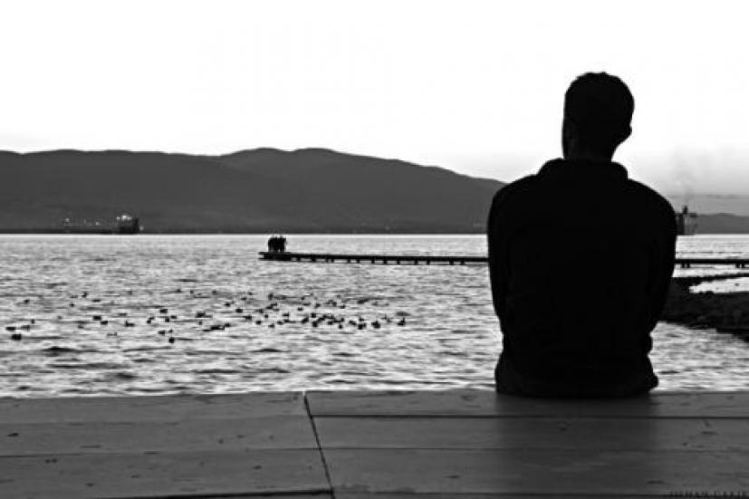 Αισθάνομαι ότι είμαι μόνος...   iEllada.gr